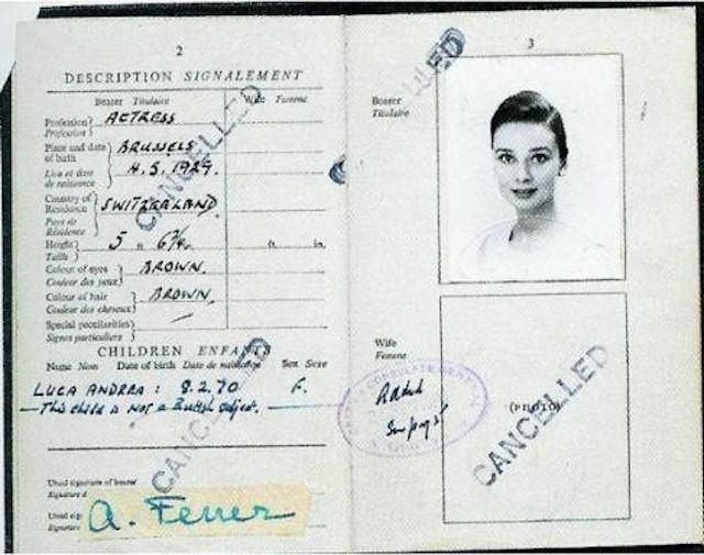 Pasaporte de Audrey Hepburn (17)
