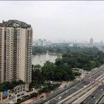 Excéntrico empresario construye casa de montaña en la cima de un edificio en Beijing