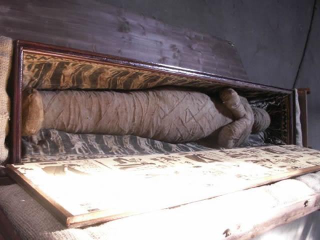 momia sotano abuela alemania (2)