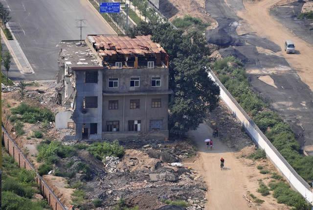 nail houses china (14)