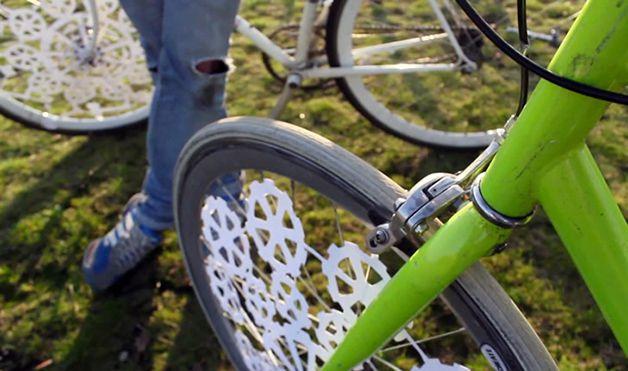 Diseñadora crea animación en ruedas de bicicleta usando ilusión óptica (1)