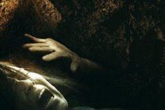 mujer enterrada viva