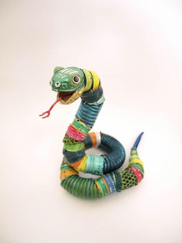 Esculturas de animales hechas de material reciclado - Marcianos