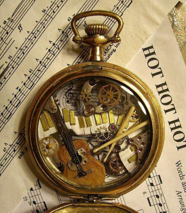 esculturas naturales hechas en relojes antiguos (11)