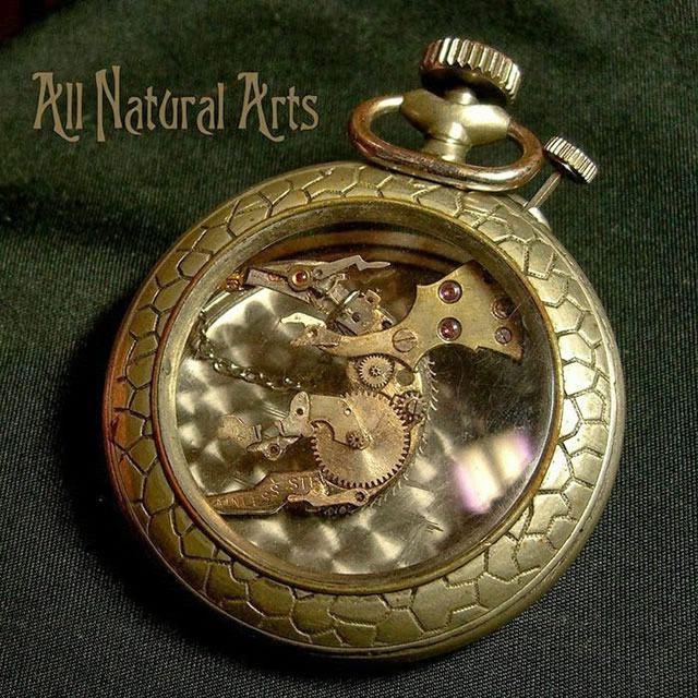 esculturas naturales hechas en relojes antiguos (6)