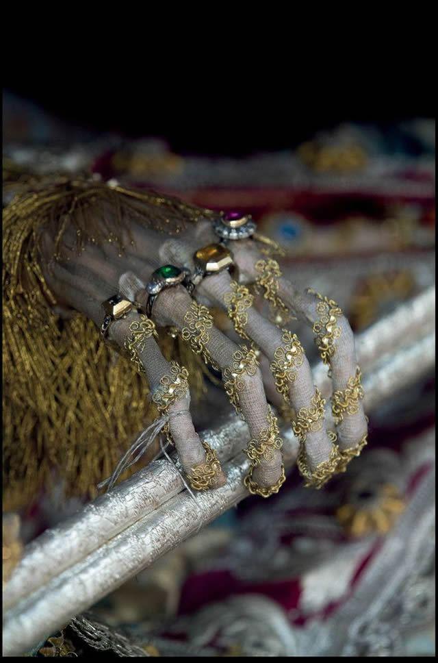 Esqueletos con joyas, santos catacumbas roma (10)