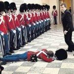 Cuando los soldados se desmayan