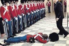 soldados caidas desmayos (1)