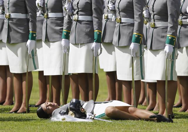 soldados caidas desmayos (7)