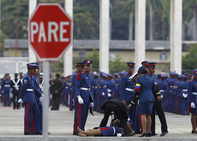soldados caidas desmayos (28)
