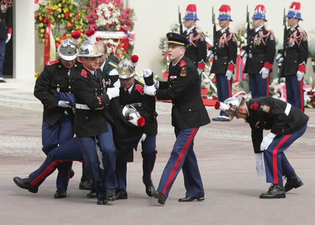 soldados caidas desmayos (23)
