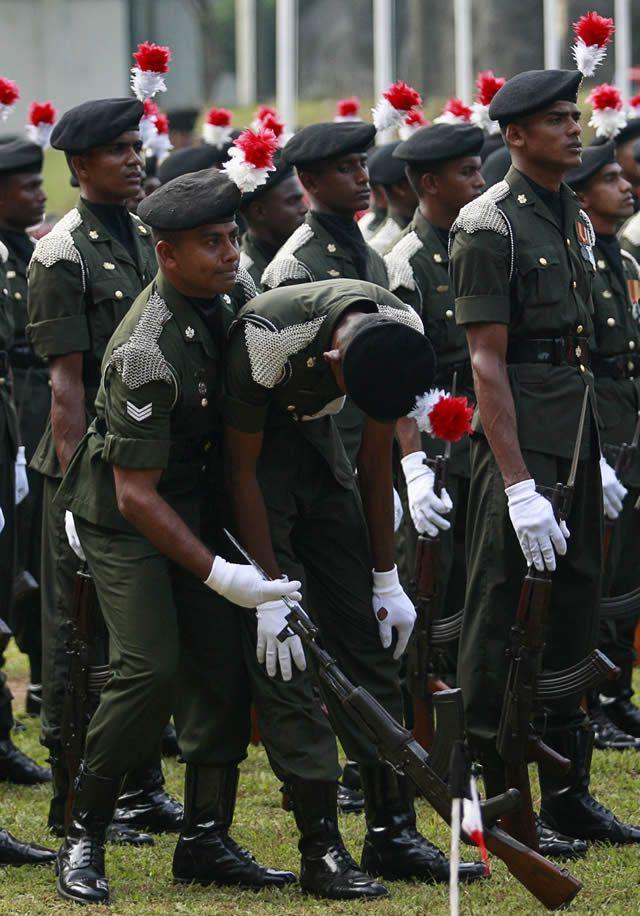 soldados caidas desmayos (22)