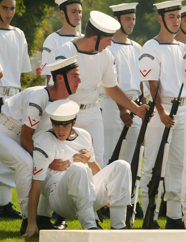 soldados caidas desmayos (21)