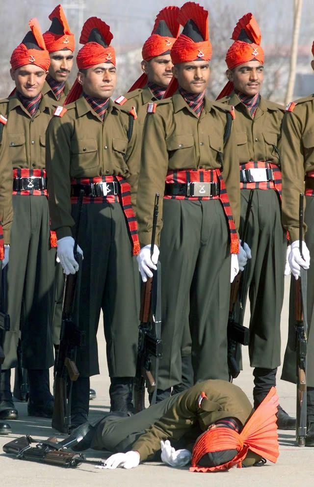soldados caidas desmayos (20)