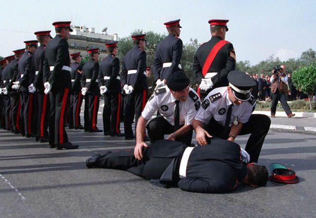 soldados caidas desmayos (18)