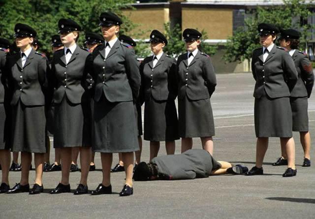 soldados caidas desmayos (10)