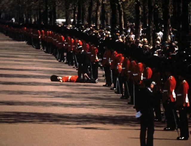soldados caidas desmayos (15)