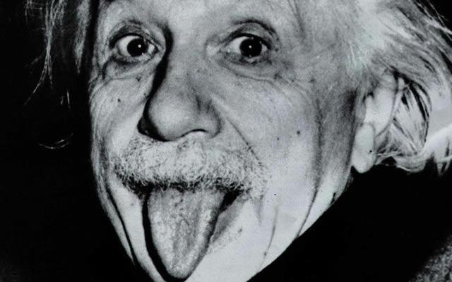 Albert Einstein lengua