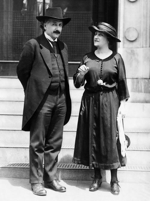 Albert Einstein y Elsa Loewenthal