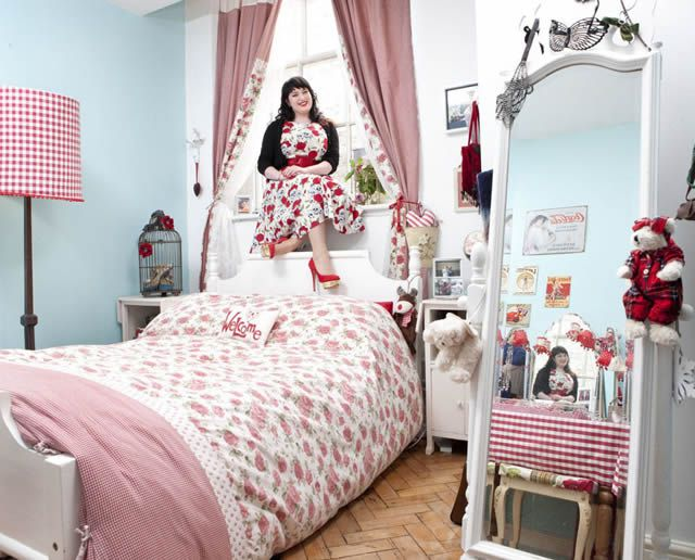 Espejos y ventanas habitaciones de mujeres j venes en for Espejos para habitaciones
