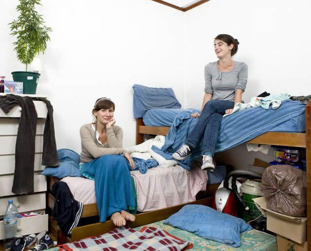 Habitaciones de mujeres jóvenes en todo el mundo 19