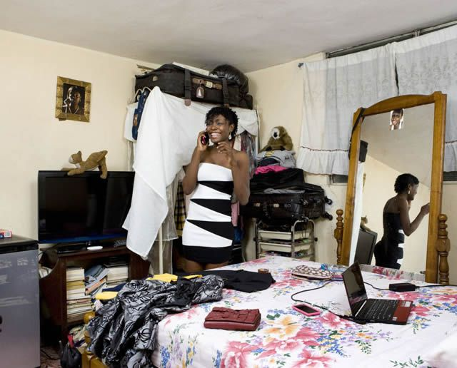 Habitaciones de mujeres jóvenes en todo el mundo 24