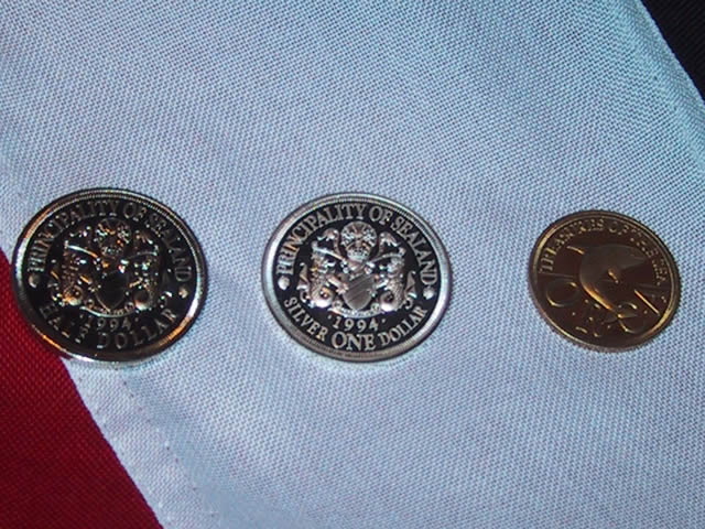 Sealand bandera y monedas