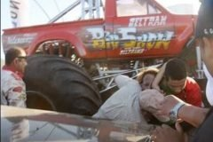 Accidente Monster Truck en Aero Show Extremo