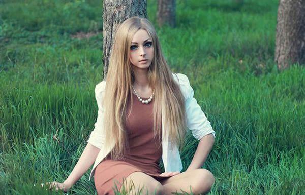Alina Kovalevskaya Barbie (20)