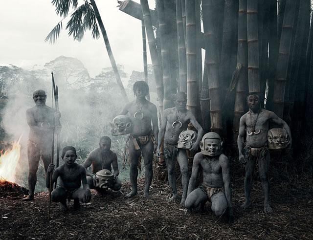 La vida de las tribus que están desapareciendo en todo el mundo 08