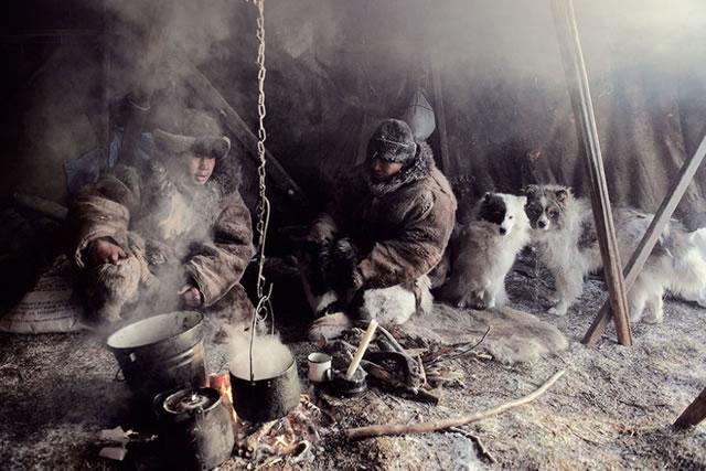 La vida de las tribus que están desapareciendo en todo el mundo 13