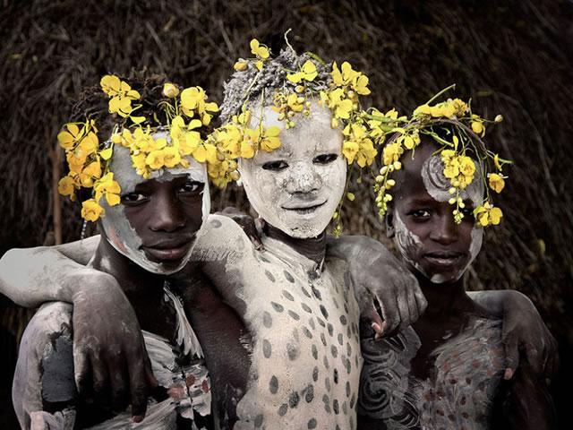 La vida de las tribus que están desapareciendo en todo el mundo 38