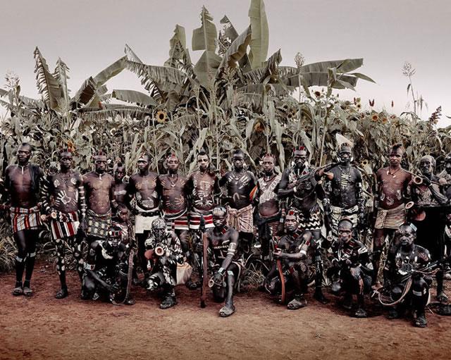 La vida de las tribus que están desapareciendo en todo el mundo 39