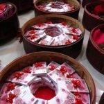 Romántico novio chino obsequia 8.88 millones de yuanes en efectivo