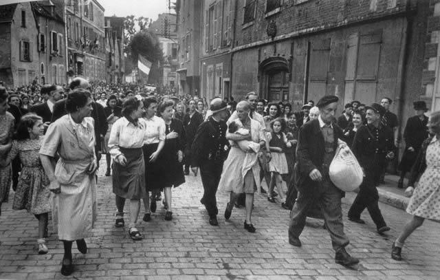 Épuration Légale martirio viudas régimen nazi (27)