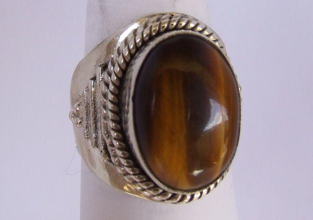 anillo de Valentino