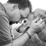 Serie fotográfica muestra a perros en fase terminal despidiéndose de su familia