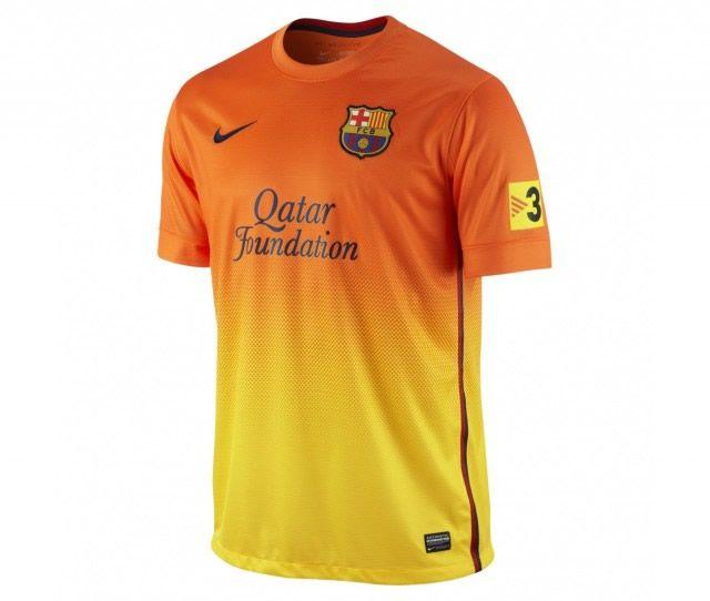 2cabdbb5f3774 Vergüenza  las 25 camisetas más feas de la historia del fútbol