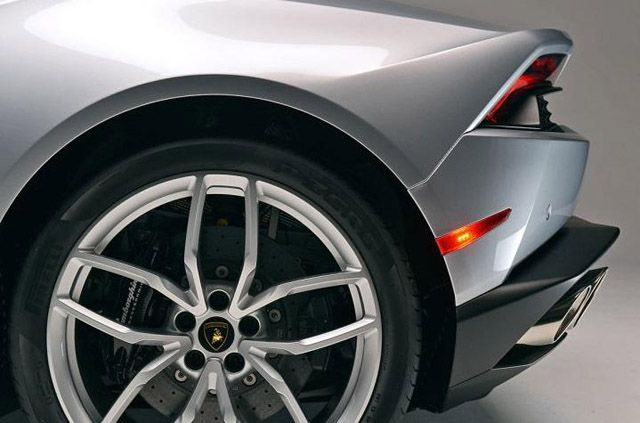 Lamborghini Huracan LP610-4 2015 (12)