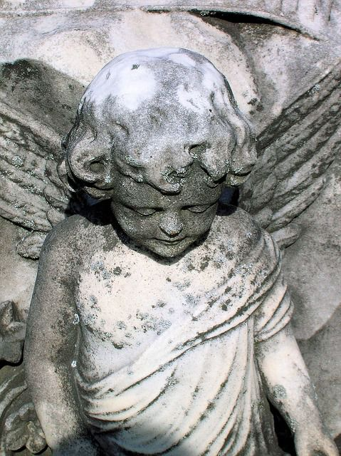 estatua angel cementerio