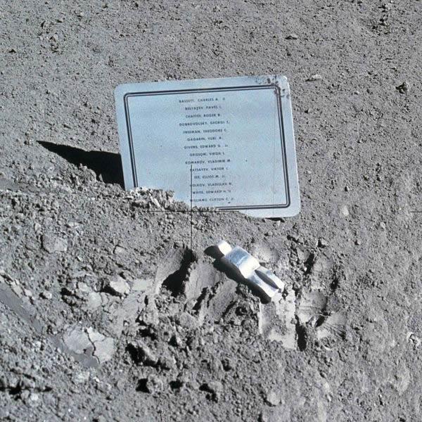 Astronauta Caído de Paul Van Hoeydonck