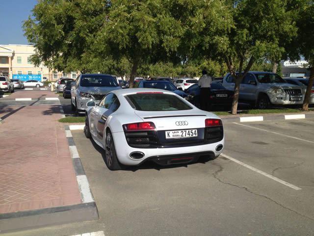 Autos lujo Universidad Americana de Dubai (34)