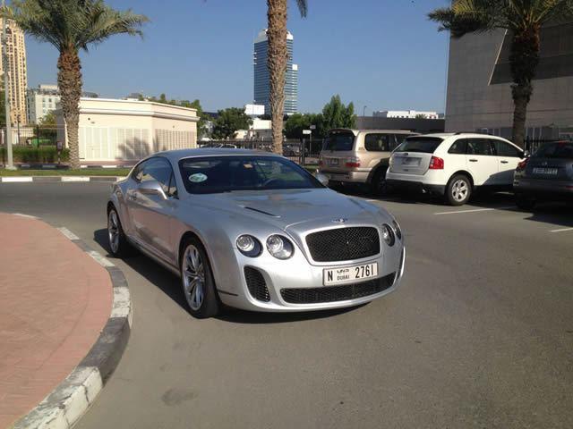 Autos lujo Universidad Americana de Dubai (31)
