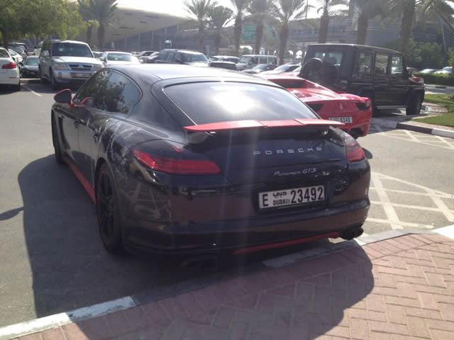 Autos lujo Universidad Americana de Dubai (55)