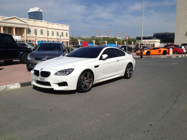 Autos lujo Universidad Americana de Dubai (8)