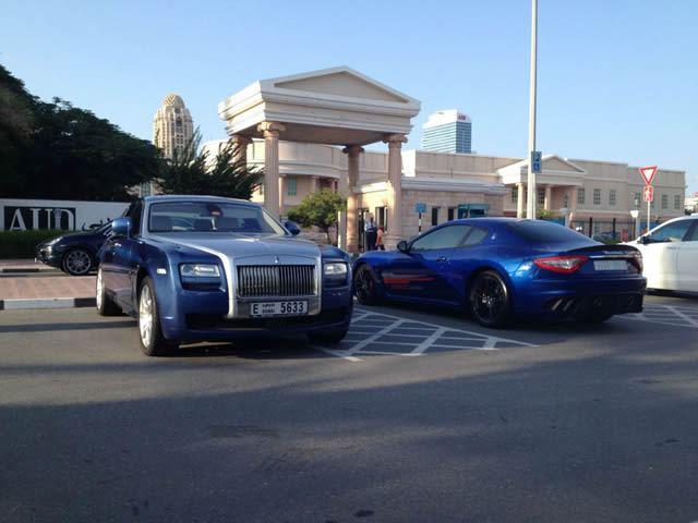 Autos lujo Universidad Americana de Dubai (4)