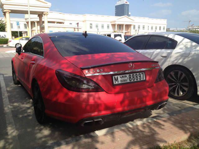 Autos lujo Universidad Americana de Dubai (1)