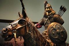 Genghis Khan estatua metal