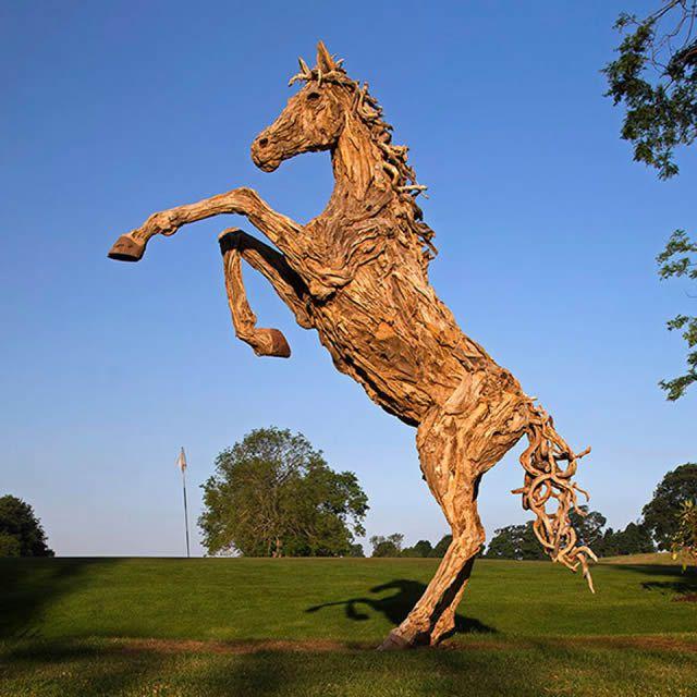James Doran-Webb Esculturas Caballos Troncos Madera (5)