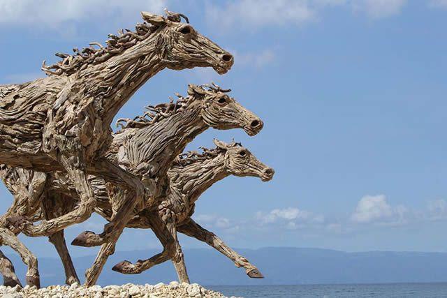 James Doran-Webb Esculturas Caballos Troncos Madera (12)